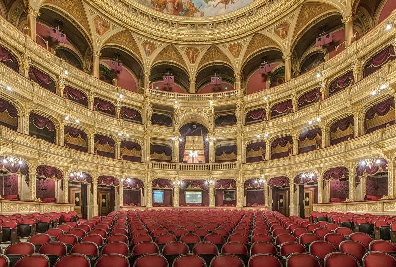 study opera in italy-min